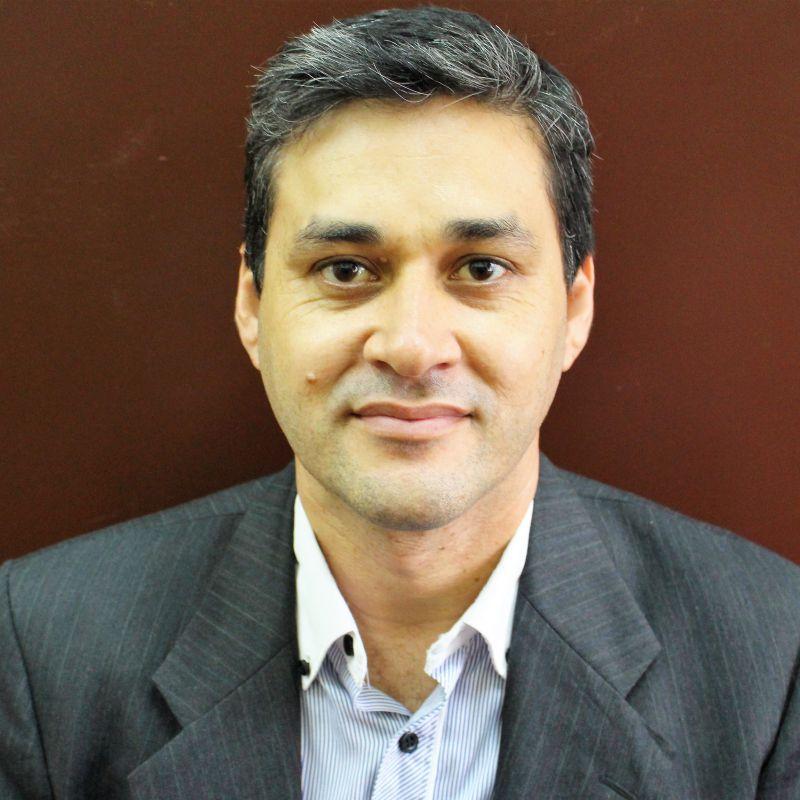 El profesor Rafael Zaracho